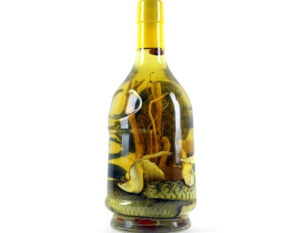 MAGNUM DE WHISKEY DE SERPENT SNAKE WINE